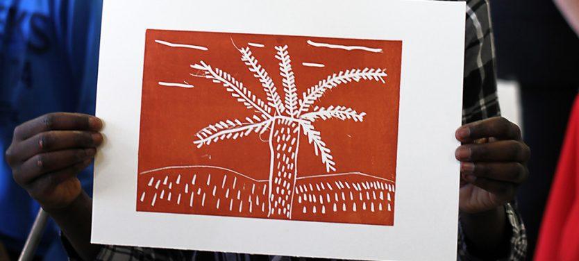 Atelier linogravure au collège Berthelot à Bègles en mai 2016 animé par Spig (Stéphane Gétas). Réalisation d'un carnet de voyage sur le Maroc en linogravure